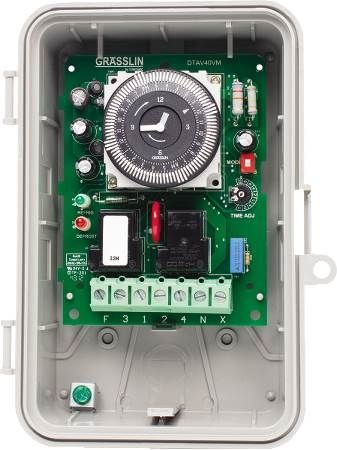 Commercial Auto-Voltage Defrost Timer with Voltage Monitor & Short Cycle Protection